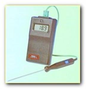 Picture of M12 digital thermometer and probe